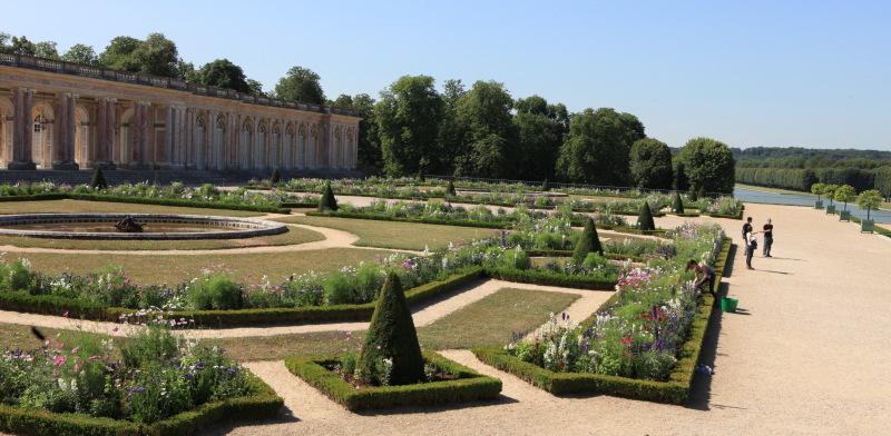 Les jardins du grand trianon visite guid e claire en - Restaurant le jardin du lavoir aux herbiers ...